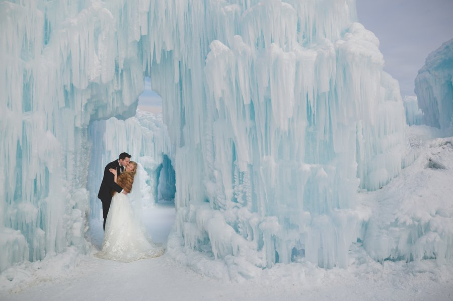 Studio96_WinterWeddingIceCastles